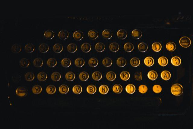classic-keys-retro-593650
